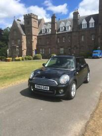 Mini Cooper 1.6 Hatchback (low mileage)
