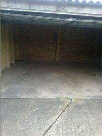 """REAL SPACIOUS DOUBLE GARAGE AVAILABLE TO BUY """"FREEHOLD""""! WITH FULL ELECTRICITY !"""