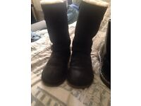 Black Kensington ugg boots