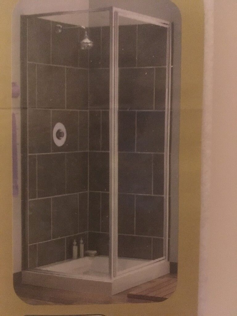 WHITE CORNER SHOWER SCREEN | in Perth, Perth and Kinross | Gumtree