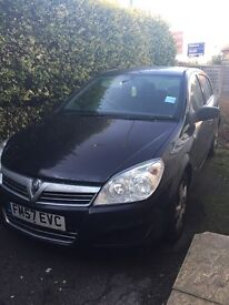 ***FOR SALE - Black Vauxhall Astra, full service history***