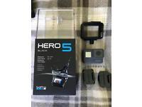 Go Pro Hero 5 + Bundle