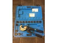 Cembre HT131-C hydraulic crimper - hand held crimping tool