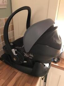 BeSafe iZi Go+ car seat with Isofix base