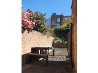 ABSOLUTELY BEAUTIFUL lower ground floor garden flat in the heart of Islington