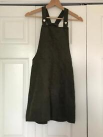 Green size 6 pinafore dress