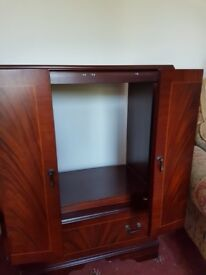 TV Cabinet & Matching Lamp Unit