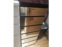 chest of drawers black and mirror perfect condition.