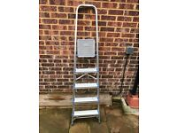 Central/ West London - 5 step ladder in very good condition