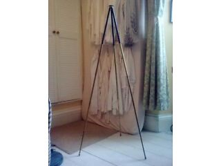 A fine and elegant vintage tripod metal/brass. Possibly a foot for a lamp with adjustable height. Newton Abbot
