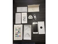 Apple iPhone 5s 16gb Silver Unlocked Fully Boxed Immaculate Condition!