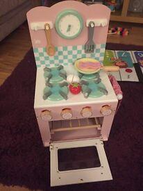 Children's kitchen- Le Toy Van Honeybake cooker