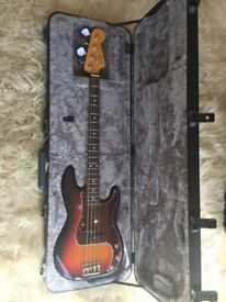 Fender Deluxe Precision/Jazz Bass Moulded Hard Case