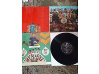 BEATLES SGT PEPPER VINYL AND CUTOUTS FLIPBACK SLEEVE AND CD SGT PEPPER