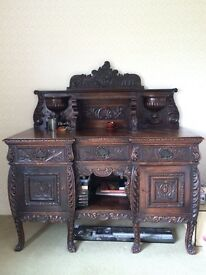 BEAUTIFIUL ANTIQUE DRESSER