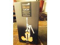 Deluxe juicer - brand new!