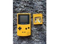 Gameboy colour and matching pokemon yellow
