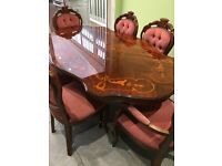 Table and 6 chairs, In very good condition,