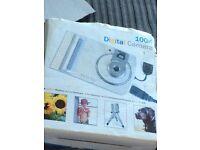 Digital camera 100k