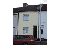 House to Let Chatham. 3/4 Bedroom fully redecorated terraced house with lounge/4th bedroom. GFCH