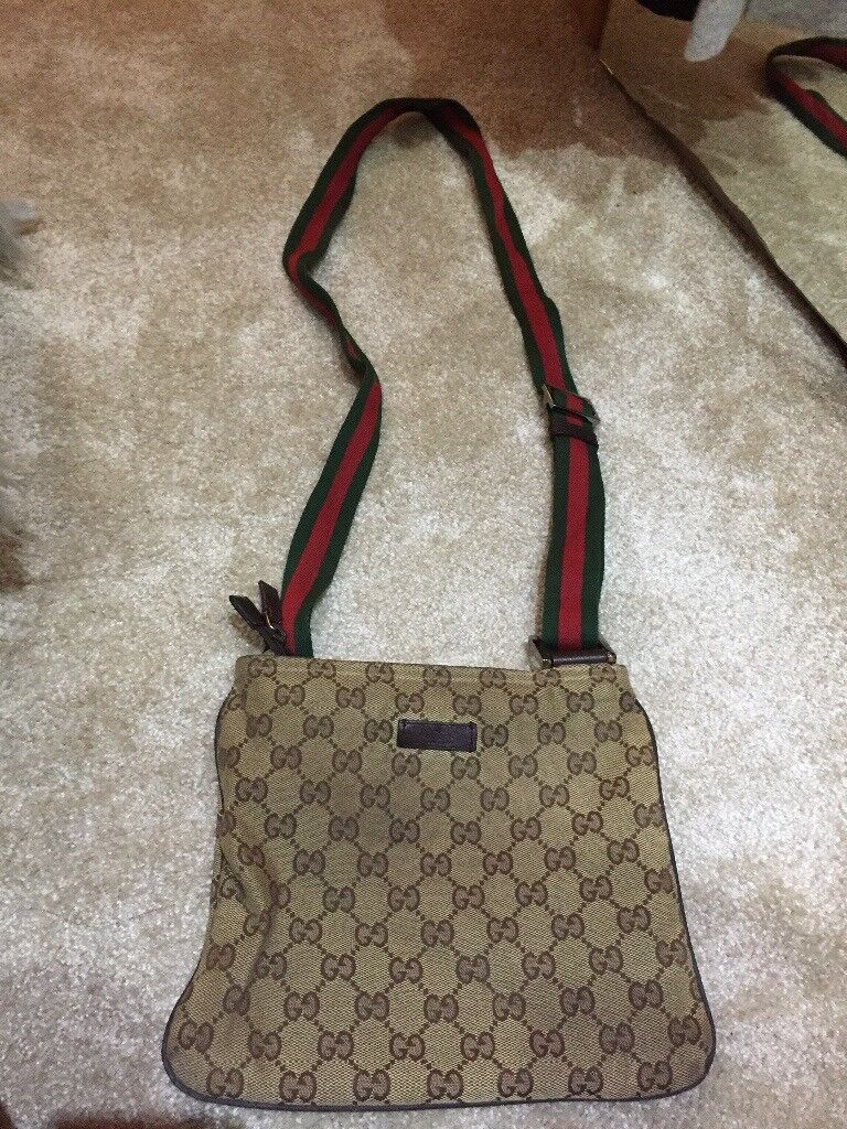 bcdd209230c Gucci messenger bag (used)