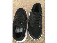 Toddler black huaraches size 8.5