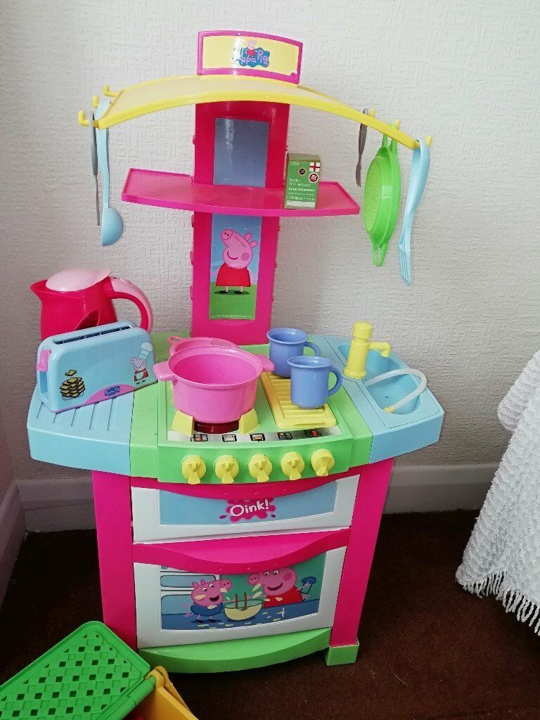 Peppa Pig Kitchen Set And Lots Of Extras Hardly Used And Excellent Condition In Ruislip London Gumtree
