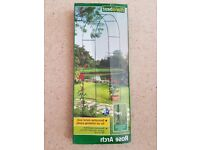 NEW- Decorative metal Arch for all climbing plants Suitable for Indoor or Outdoor use Collect only