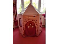 Canvas play tent/play castle