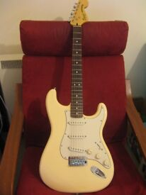 SQUIER VINTAGE MODIFIED-STRAT IN WHITE-EXCELLENT CONDITION