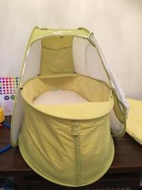 Koo-di bassinet & mattress set
