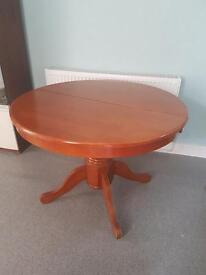 Kentucky extendable dining table
