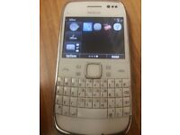Nokia E6-00 - 8GB - WHITE (Unlocked) Smartphone