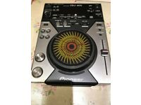 Pioneer CDJ-400 in MINT condition no scratches or marks!
