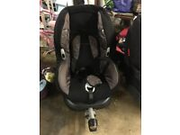 Maxi Cosi ISOFIX car seat with base in great condition MaxiCosi