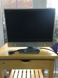 FLATRON 20 inch monitor for laptop/computer with remote control and scart lead.