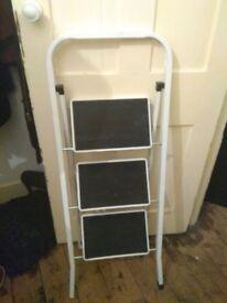 Ladder rack step tool