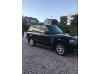 Range Rover Vogue 2011 Automatic 4.4 Diesel Very Good Condition, Black with excellent Grey leather