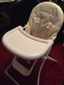 Baby high chair in clean and good condition