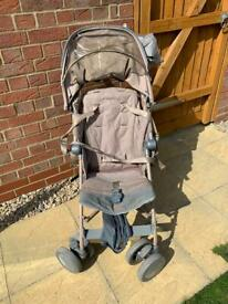 Maclaren buggy with footmuff and rain cover