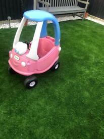 Little tikes car cozy coupe princess. Pink