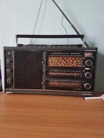 Grundig Sattilit 2100 radio