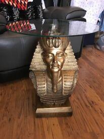 Tutankhamen glass table