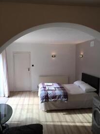 New refurbished studio flat with brand new shower room