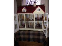 dolls house (antique style)
