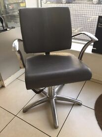 Hairdressing Chairs/Salon Chairs