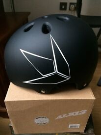 Blunt ALK13 Helmet. NEW, never used. -60%