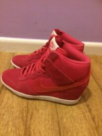 Ladies High top Nike trainers