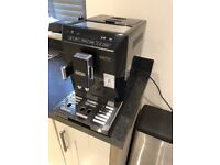 De' Longhi Eletta ECAM44.660 B. Bean to cup coffee machine in Black. Hardly used Christmas gift.