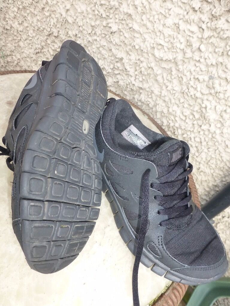 NIke Free Run-Black- Trainers-Size 4-Only £15